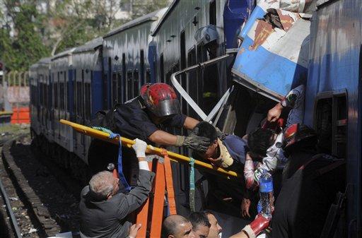 Mueren 48 adultos y un niño en accidente ferroviario