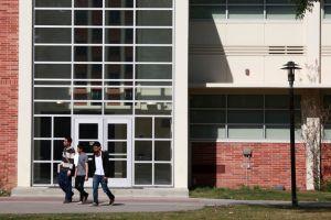Nuevo golpe  a los colegios comunitarios