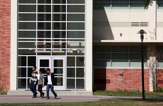 Colegios Comunitarios de Los Ángeles no retomarán clases presenciales hasta el próximo semestre