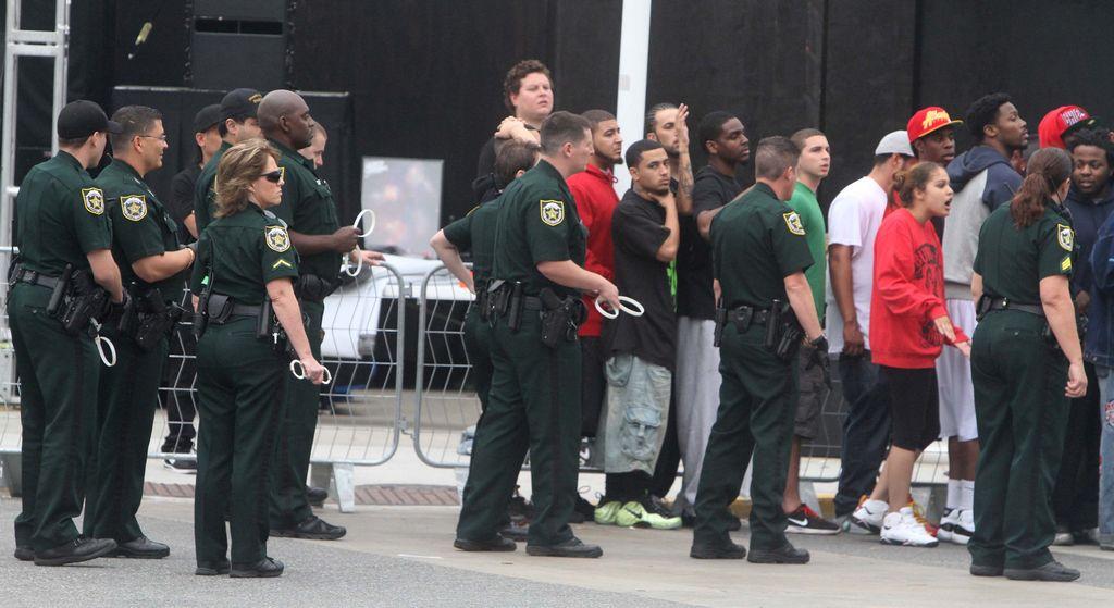 Pandemónium en Orlando por venta de zapatos Nike