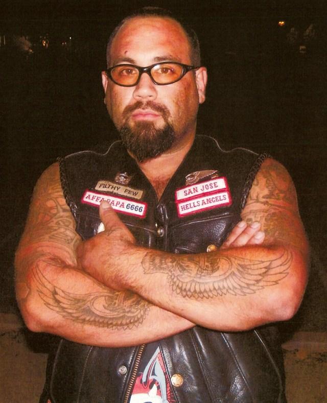 Steve Ruiz es sospechoso de dar muerte a un miembro de Hells Angels.