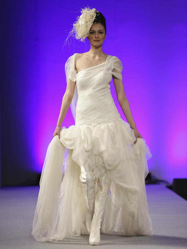 La creadora presentó 14 modelos con un estilo 'bastante plural'.