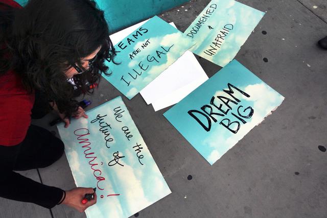 Estudiantes piden a republicanos por Dream Act
