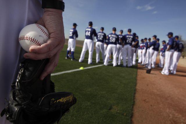 Buscan 7 comprar a  Dodgers de LA