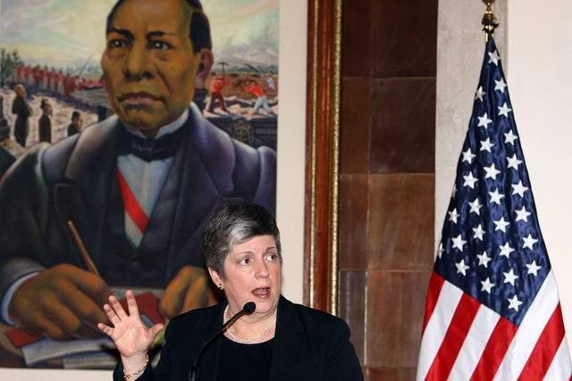La secretaria de Seguridad Nacional de EEUU, Janet Napolitano, habla durante una rueda de prensa ayer, en Ciudad de México.