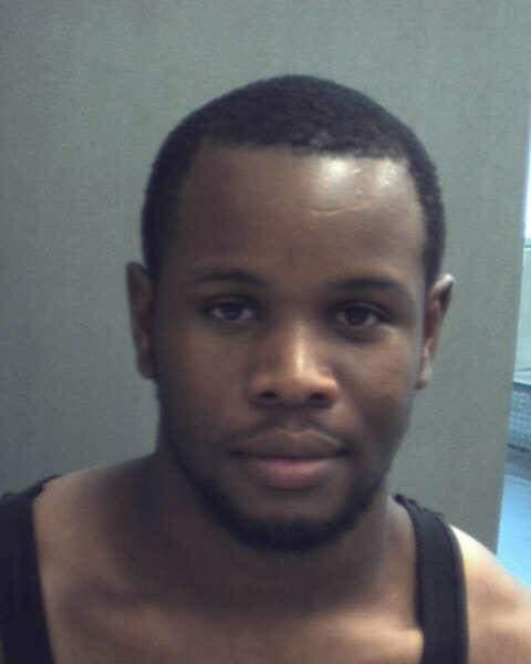 Hubert Xavier es residente de Orlando y tiene 22 años.