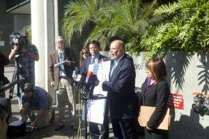 Víctimas de Miramonte inician pleito legal contra LAUSD