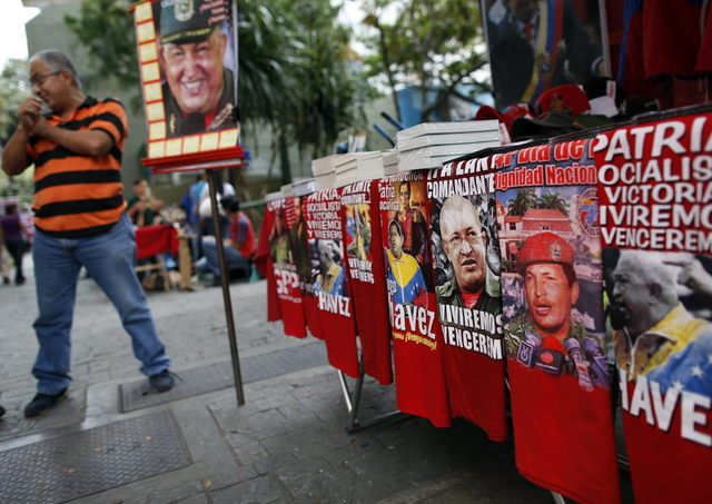 Hugo Chávez manda desde La Habana