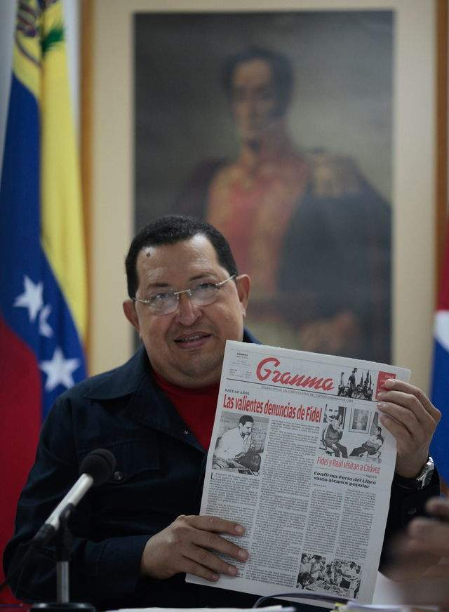Chávez confirma tumor  canceroso