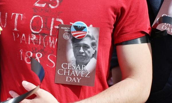 "Diego Luna prepara la película ""Chávez"""