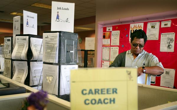 Baja desempleo en California