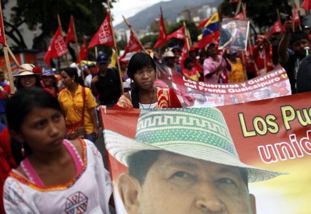 Aclaman a Hugo Chávez