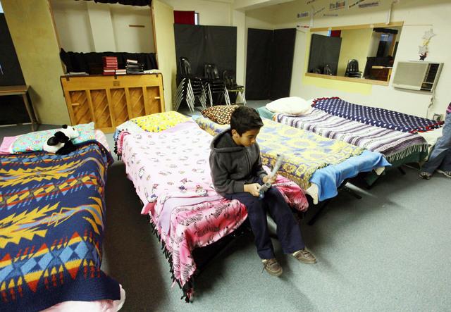 Vía crucis de una familia sin hogar
