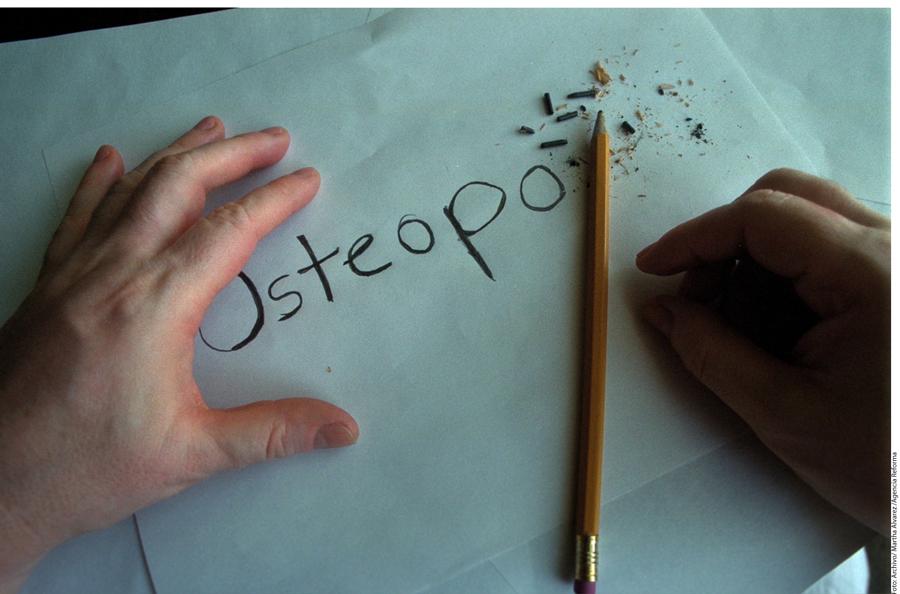 Si se padece osteoporosis es importante prevenir las fracturas.