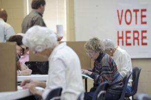 Cierran colegios electorales en Mississippi y Alabama