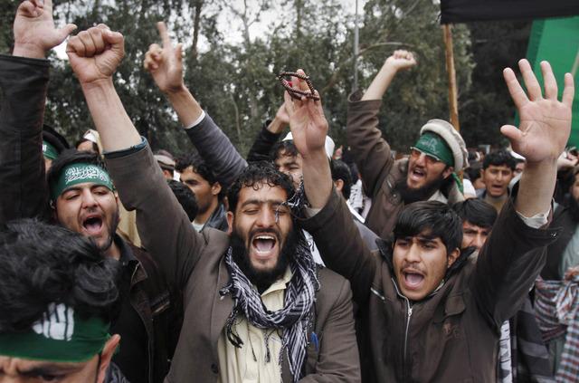Talibanes atacan a delegación
