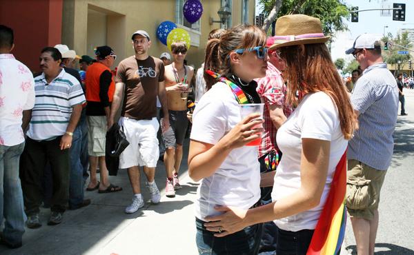 Gran Bretaña planea legalizar bodas gay para 2015