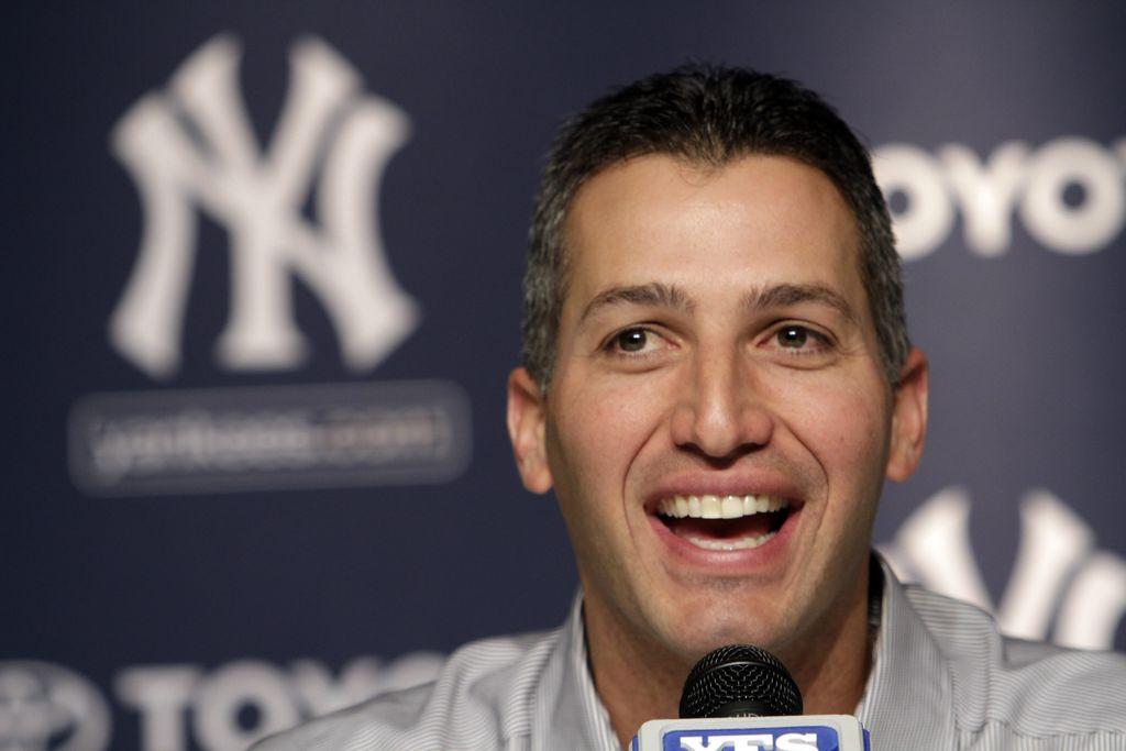 Pettitte firma con los Yankees para las menores