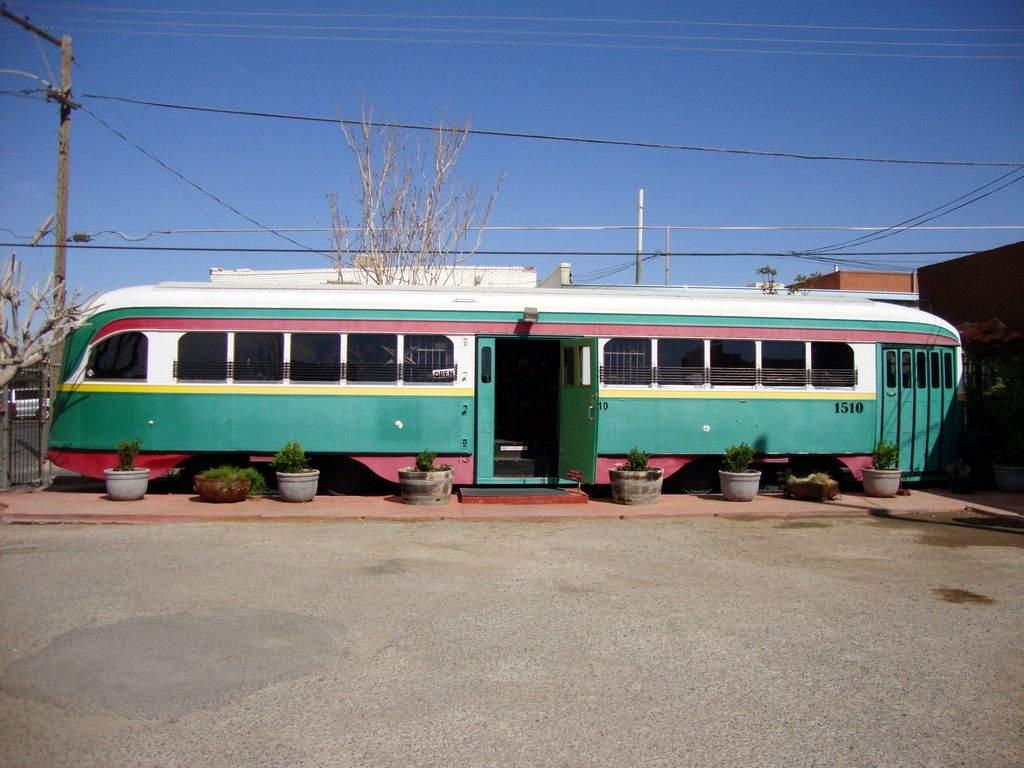 Comunidad quiere regresar tranvía a El Paso