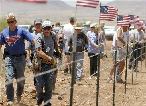 Arizona: Pierden fuerza grupos de vigilancia fronteriza