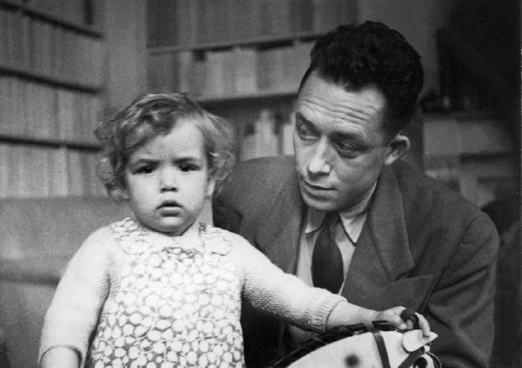 """""""Hoy día hace bien leer a Camus"""""""