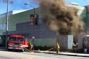 Bajo control fuego en la escuela West Adams