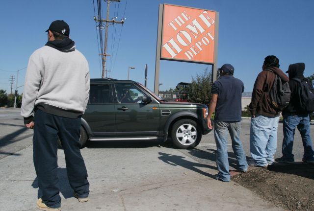 Más latinos con trabajo