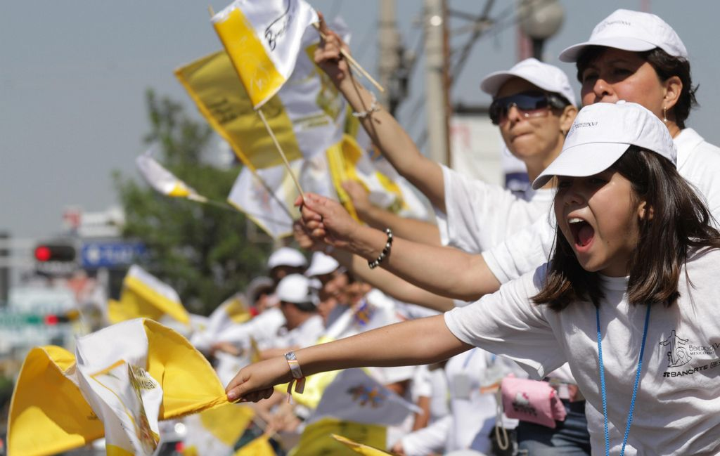 """""""Calientan ánimos"""" a unas horas del arribo del Papa"""