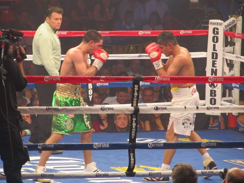 García derrota al 'Terrible' Morales