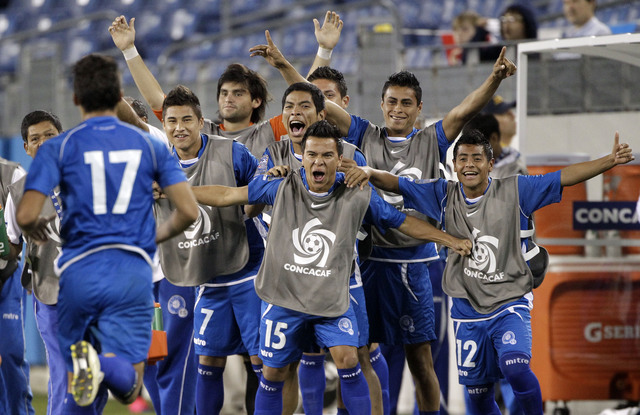 ¡El Salvador elimina a EEUU!