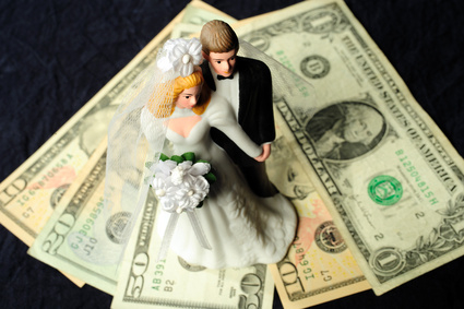 7.000 matrimonios fraudulentos son descubiertos cada año por las autoridades