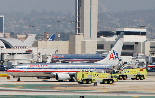 American Airlines pide anular contratos
