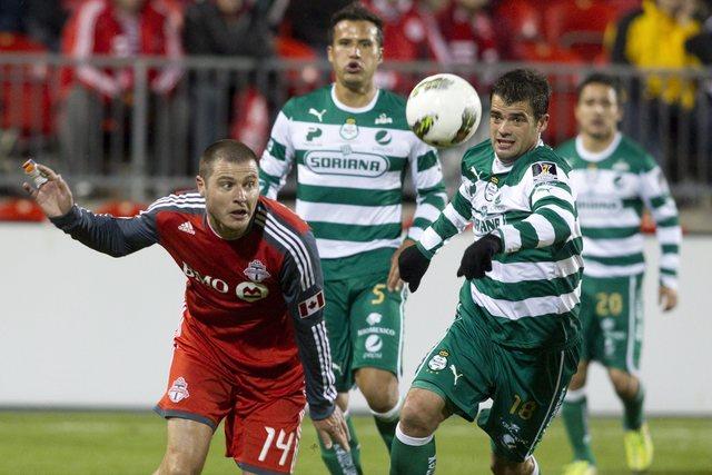 Monterrey derrota a indefensos Pumas