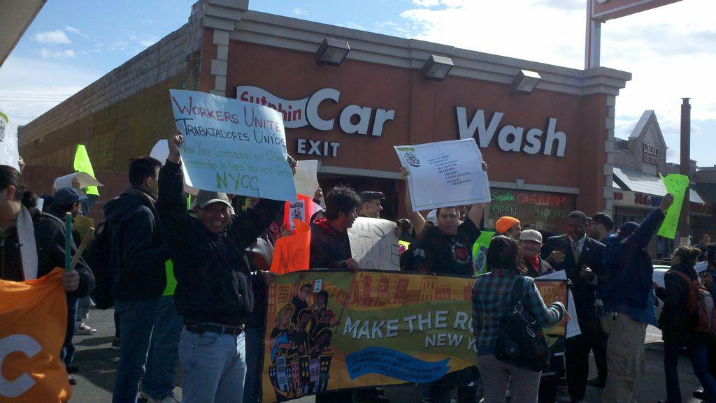 En Queens: Inmigrantes exigen trato y salario justo