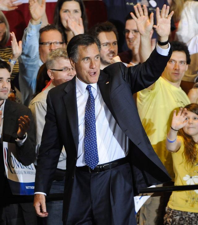 George H. Bush  se inclina por Romney