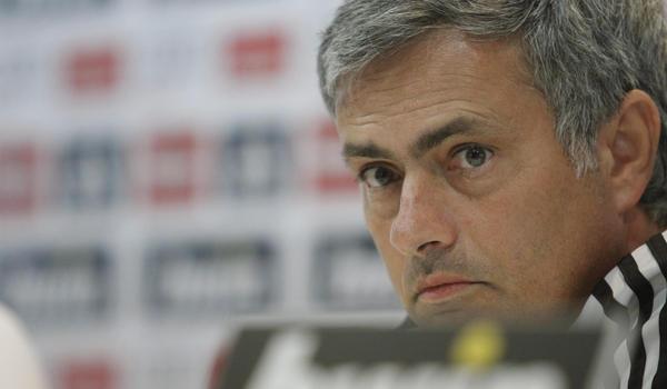 Mourinho dice que no se lleva mal con Casillas