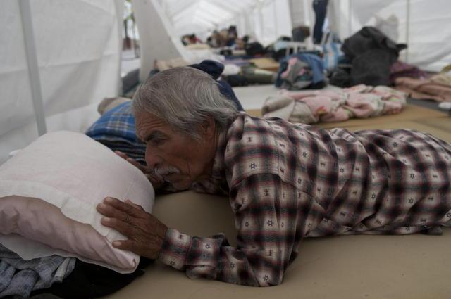 Los ancianos exigen recursos para vivir