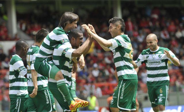 Santos vence 3 a 1 al Toluca