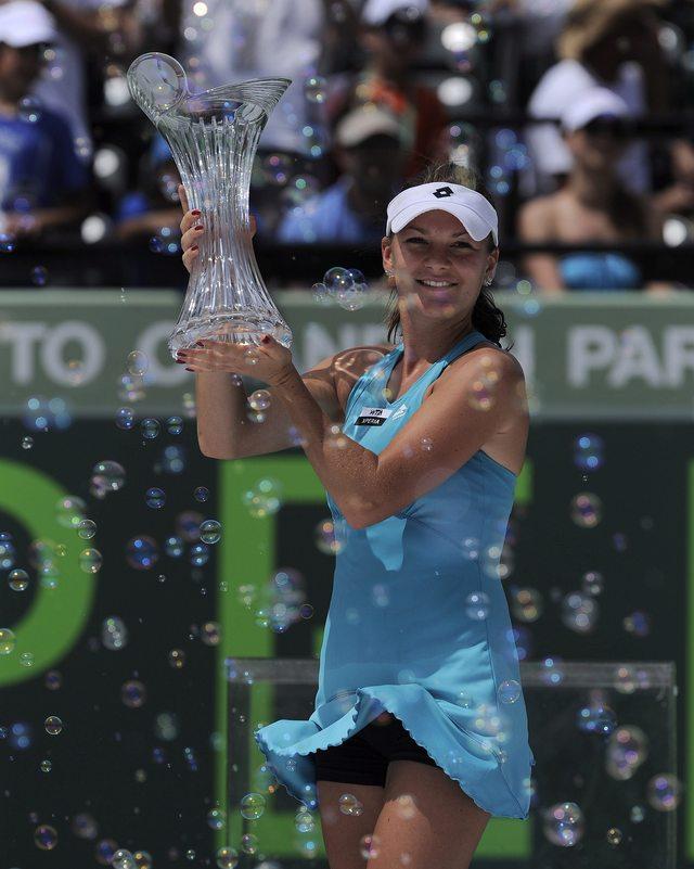 Radwanska supera a 'Shari'