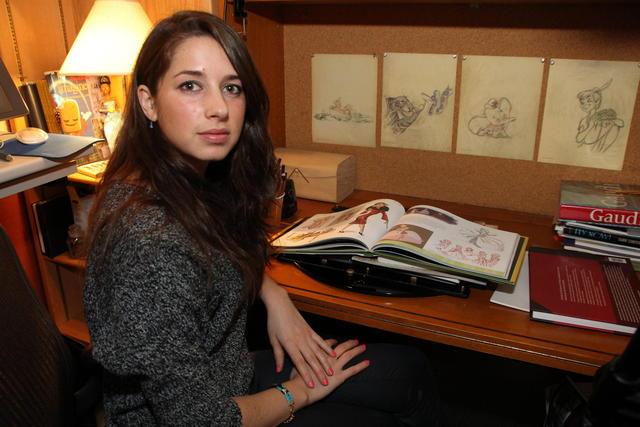 Lorelay es hija del pintor Quim Bove, quien la enseñó a dibujar desde chica.