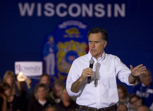 Romney tiene  una fortuna estimada en 250 millones de dólares, lo que ha provocado críticas de sus contendientes.