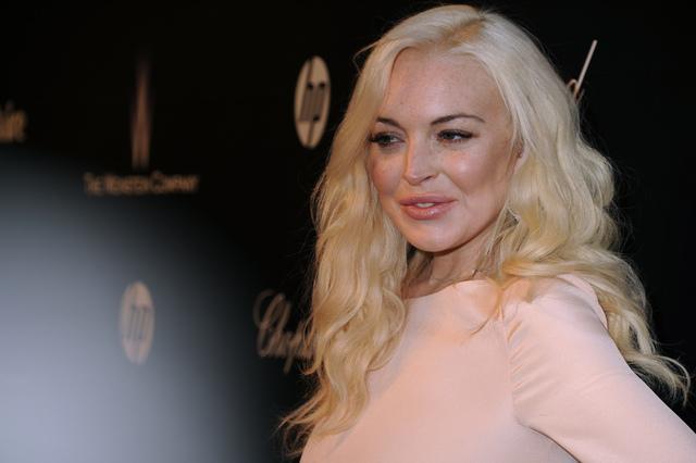Mujer alega que Lindsay Lohan la agredió
