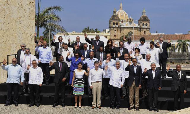Los presidentes de los países de América posan, hoy, domingo 15 de abril de 2012, para la foto oficial de la VI Cumbre de las Américas en Cartagena de Indias, Colombia.