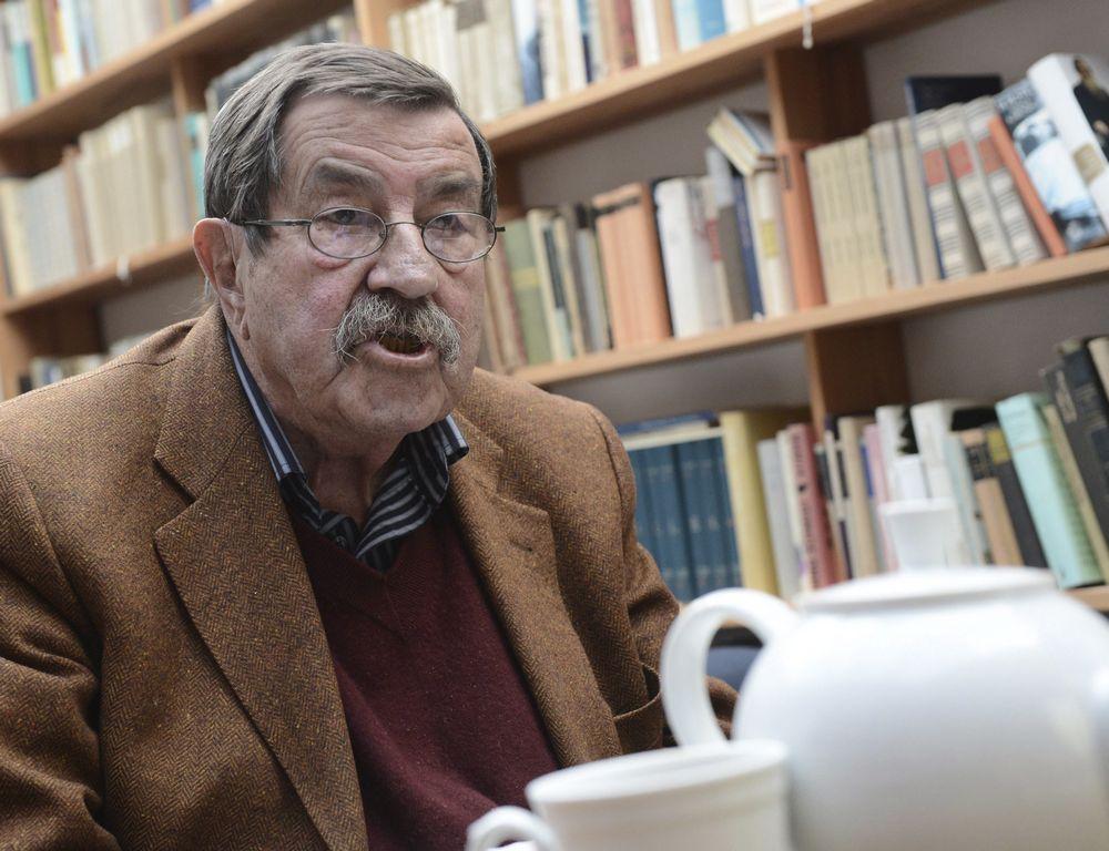 El Premio Nobel de Literatura Günter Grass en su casa de Behlendorf, Alemania.