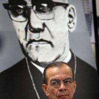Obispo de  San Salvador ruega por visitas a Catedral