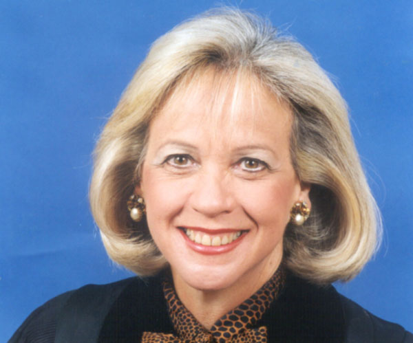 La jueza Margarita Esquiroz, quien estuvo entre los tres primeros magistrados hispanos en ser elegidos para el circuito judicial del condado de Miami-Dade, falleció hoy.