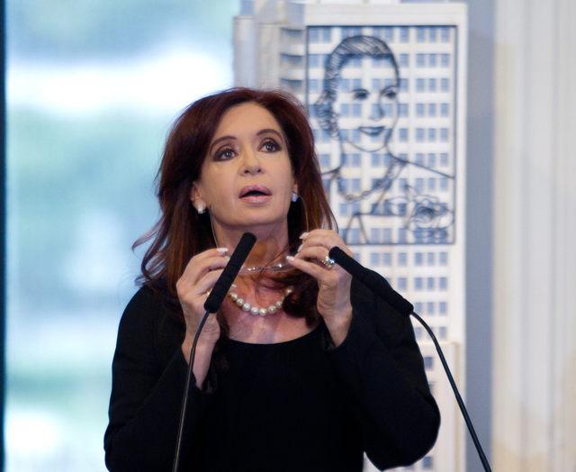 La presidenta de Argentina, Cristina Fernández, se refirió al plan de expropiación de  YPF como un 'cambio en la historia' de su país.