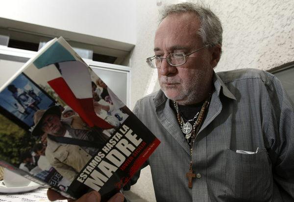 El poeta Javier Sicilia exhortó a los líderes sociales y de víctimas en México a unirse antes de las elecciones presidenciales de 2012.