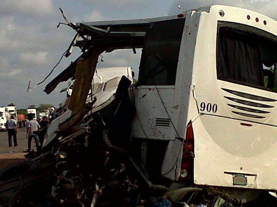 Accidente carretero deja 43 muertos y unos 20 heridos en México