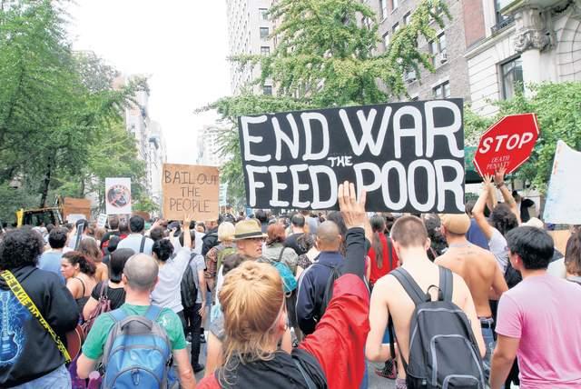 "Arrestan a decena de ""indignados"" en Wall Street"